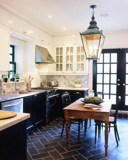 2 navy kitchen - houseandhome - smythe